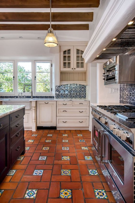 Mexican Tile Floor And Decor Ideas For Your Spanish Style Home - DIY ...