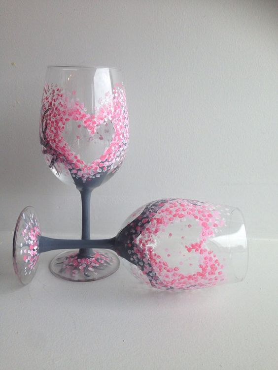 Check out these stunning hand painted wine glasses diy ideas for Diy painted wine glasses